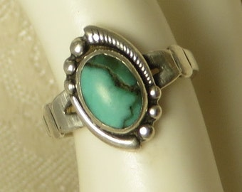 Vintage Bell Trading Post South Western southwestern Native American tribal traditional sterling silver turquoise childs ring size 4 1/2