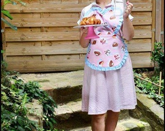 Apron printed with creamy cakes