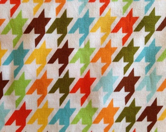 REMIX by Ann Kelle - Robert Kaufman Fabric - Houndstooth in Bermuda - Quilting - Kids - Sewing - Home Decor