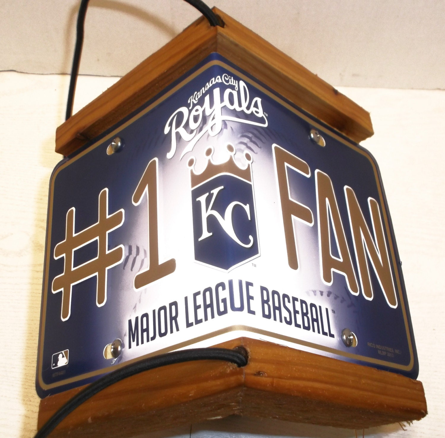 Kansas city royals two sided cedar bird feeder for Craft stores in kansas city
