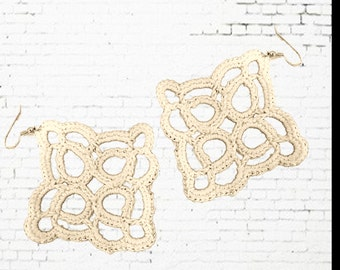 Loops and Circles Crochet Earring Pattern