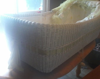 Lg baby bassinet