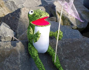 Green frog. Handmade cloth toy. Author's pattern.