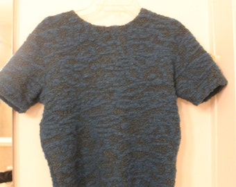 Short Sleeve Blue and Green Textured Knit Sweater Size Small