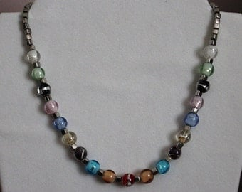 Multi-colored glass bead necklabe