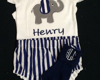 Baby Boy or Baby Girl Monogramed and Appliqued 3 Piece Gift Set Elephant Appliqued Bodysuit, Matching Diaper Cover with Monogrammmed Socks