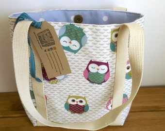 Owl tote bag lined with pockets and long handles - journal, Bible or book bag - iPad bag - lightweight canvas handbag - gift for owl lover
