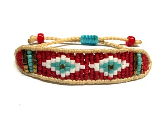 Beige and red band macrame bracelet
