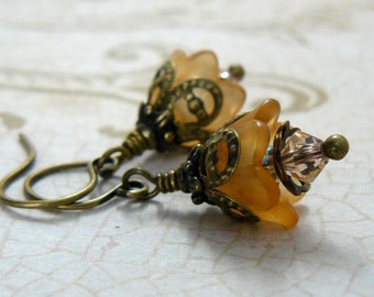 Orange Tulip Earrings, Small Lucite Flower Earrings, Vintage Style Peach Floral Dangles, Fairytale Inspired Jewelry, Romantic Jewelry