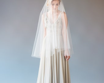 Drop Veil, Fingertip Veil, Circle Veil, Wedding Veil, Bridal Veil, Short Veil, Soft Tulle Veil, 2 Tier Veil, STYLE: CARA