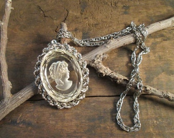 vintage silver tone clear intagilo cameo chained wrapped pendant necklace