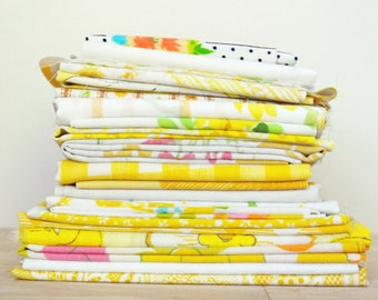 YELLOW Vintage Sheet Scrap Bundle. 1lb Mix. Stash Builder. Yellow Fabric Bundle. Fabric Scrap Pack. Floral. Gingham. Upcycle.