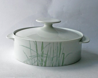 1970s Thomas Rosenthal of Germany Tureen. Reeds Pattern. retro tableware.