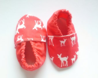 Deer baby shoes, red baby shoes, hunting baby shoes,little deer baby gift,soft sole shoes, christmas baby gift