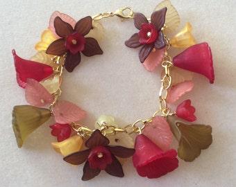Beaded Bracelet lucite flowers Handmade - Womens Jewelry