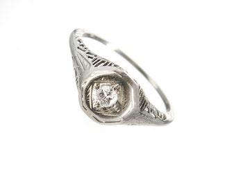 Art Deco 18k white gold filigree ring 3 mm diamond size 5 1/4