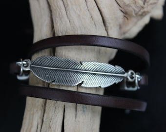 Silver Feather Bracelet, Feather Bracelet Birthday Gift for Mom, Feather Jewelry, Best Friend Bohemian Bracelet, Leather Gift for Women