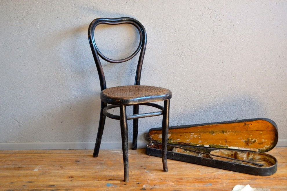 Chaises bistrot thonet home design architecture for Chaise bistrot cannee bois