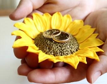 Yellow Sunflower ring Dish, holder Ring bearer, Wedding rings storage, sunflower wedding, wedding decoration, Wedding Gift, Sunflower ring