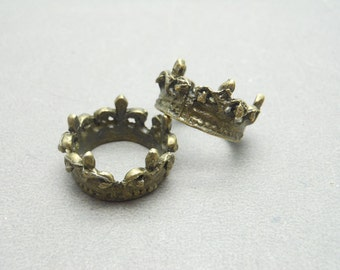 10 pcs of Antique Bronze Crown Ring Charms 10mmx17mm