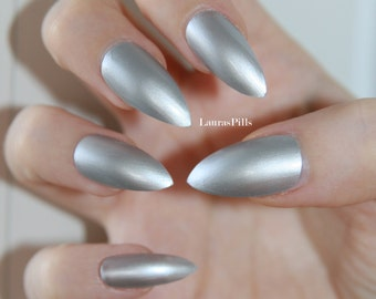 Silver stiletto nails!