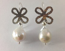 Sterling silver 4 leaf clover and baroque pearl dangle earring