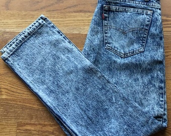 High Waisted Levi's Acid Wash Denim