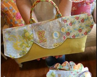Sale Fifty Percent Off Springtime in Paris Bag KIT Pattern Fabrics Bari J Paris Apartment Fabrics Lecian Fabrics Size 14 Wide 6 High 3 Wide