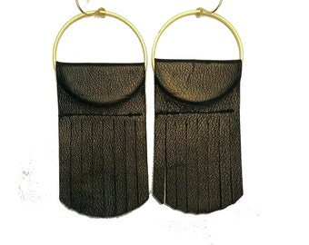Squid earrings in Black leather-Italian leather-Brass-Gold plated-Fringe-Fall styles 2015-Feather light-Boho-Geometric-Responsibly made
