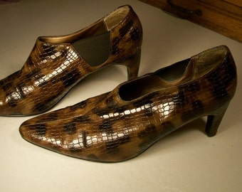 Vintage brown crocodile plastic heels, Stefani Collection