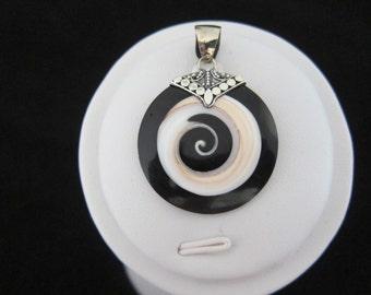 Balinese Shell Silver Pendant (211)