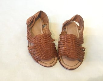 Vintage Brown Leather Woven Huarache Sandals 7.5