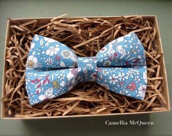 Men's bow tie, boys' bow tie, summer meadow on columbia blue bow tie