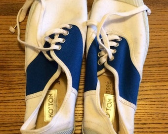 White and blue rubber and cotton sneakers