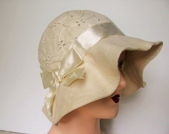1920's Linen Ripple Brim Flapper Cloche Hat with Eyelet Crown / The Nearness of You