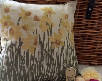Handmade In Wales Beautiful Dafodil Design Cushion Pillow cover Linen mix