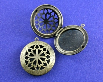 2 pcs - Filigree Locket, Perfume Locket, Large Round Locket, Brass Locket - AB-B34433H-8S