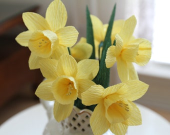 6 yellow daffodils - crepe paper daffodils - Spring flowers- wedding decoration- bridal bouquet- paper flower- party decoration.