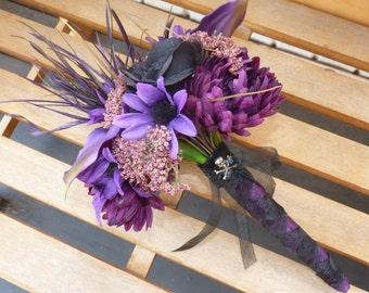 Dark purple & Black bouquet~ Halloween Wedding, Goth Wedding, Fall Wedding, Rockabilly Wedding