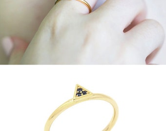 Blue Sapphire triangle ring - Dainty 14k Gold ring with Sapphire stones - Gold triangle ring - Bat mitzvah jewelry gift