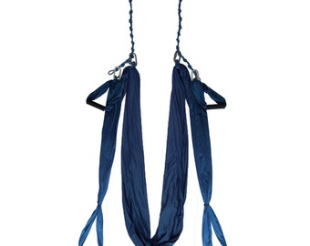 The classic antigravity style yoga swing and the option with handles of aerial yoga for the most versatile yoga hammock