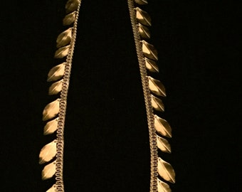 Vintage Gold Metal Leaf Dangle Necklace    VG1747