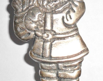 Cool petite vintage Mexico sterling silver Santa Claus Kris Kringle holiday figural brooch
