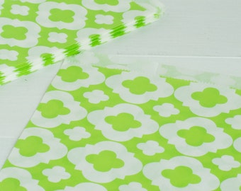 10 Lime Green Mod Design Treat Bags- Use for Party Favors, Cookie Bags, Popcorn Bags, Wedding Favors, Candy Bags, Snack Bag, and more!