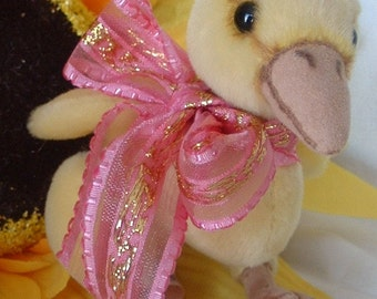 Quacky baby duck, duckling pattern by Alaine Ferreira, Bearflair very cute!