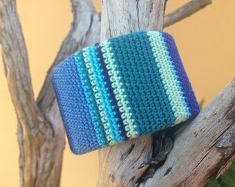 Blue #1 - Crochet bracelet