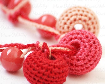 Wild Strawberry Crochet necklace Coral red Beaded jewelry Salmon pink  Redberry Crochet jewelry Red berries Coral necklace Bright red Fruit