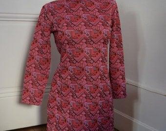 Vintage Dress pink and purple pattern size S, MOD style, Twiggy, 1960 / pink dress patterned, vintage style Mods Twiggy size S