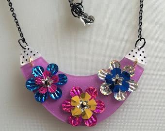 Sale SEQUENS PARADE BIB laser cut necklace