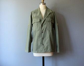 vintage army jacket / olive green field jacket / M-L